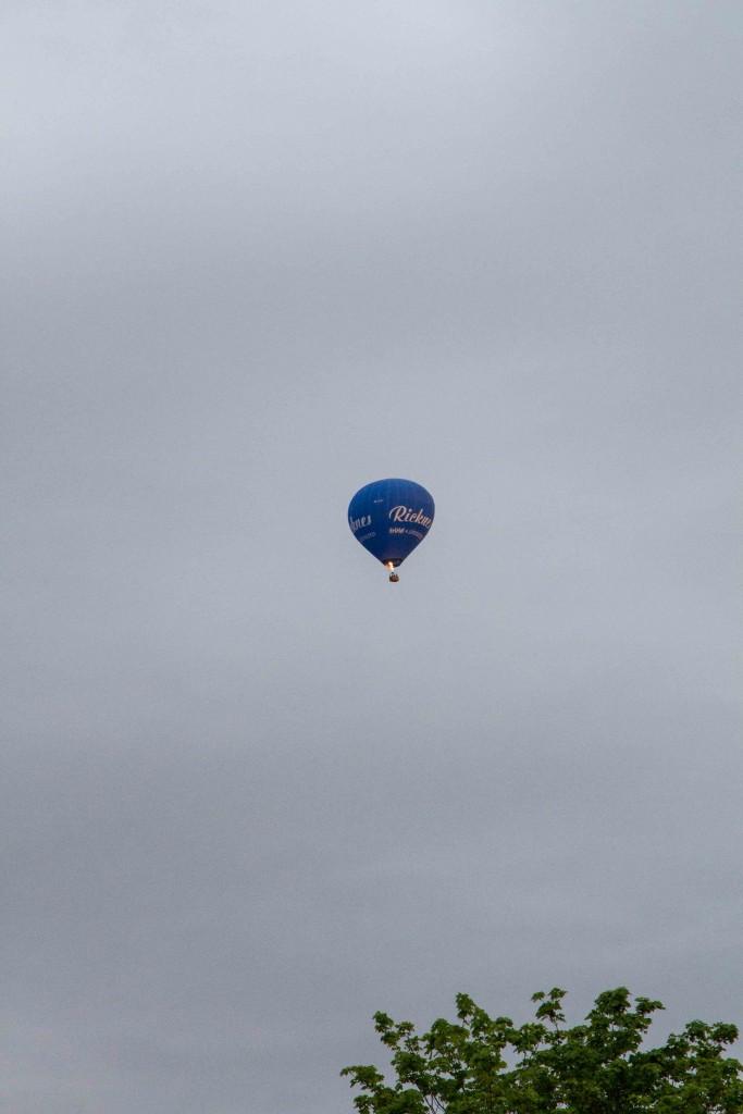 Ballongen ovanför vårt hus