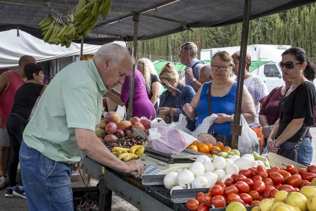 17 okt Marknaden Grönsaksstånd-1