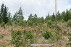 KÅ-Klackbergs-gruvområde-Kalkgruvan-Bänk-för-vilsegågna-turister-Norberg
